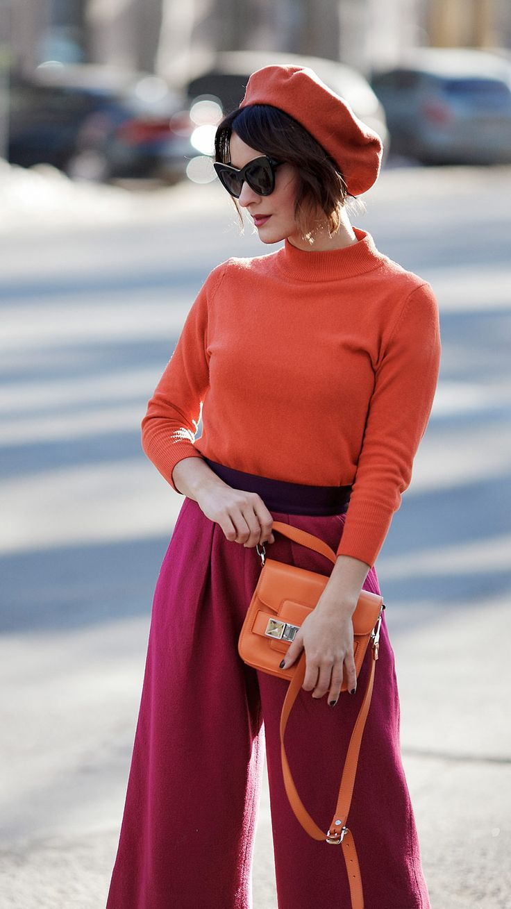colorblocking outfit, color block outfit, rust jumper outfits, wool beret outfit,