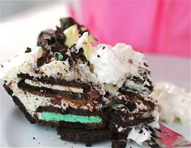 Torta de geladeira com 8 camadas de Oreo
