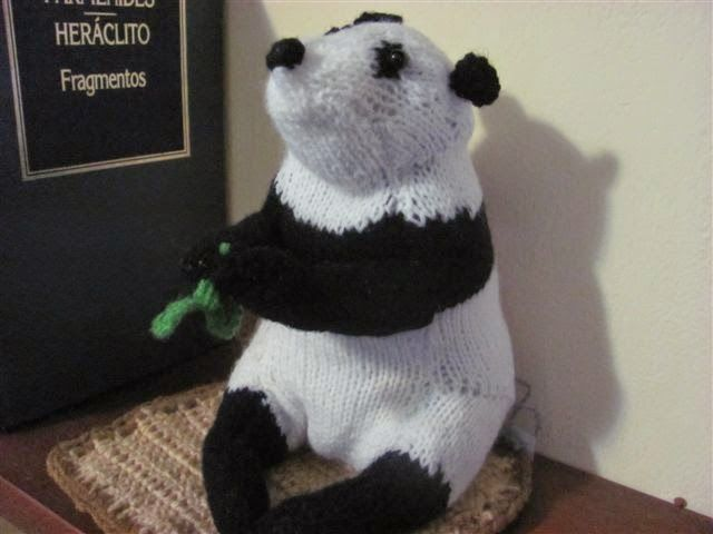 Adriana's Panda. Knitting pattern by the Best in Show Series  - Knit Your Own Zoo