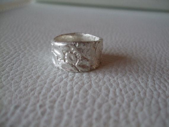 massiver Silberring 999 Feinsilber in Reptilienoptik von nicesilver, €112.00