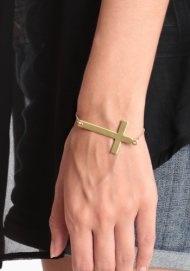 Like a Prayer Bracelet Sticks Insects, Bracelets 17, Prayer Bracelets, Fashion Mi Style, Fashion Crosses, Accessories, Cross Bracelets, Jewelry Boxes, Crosses Bracelets