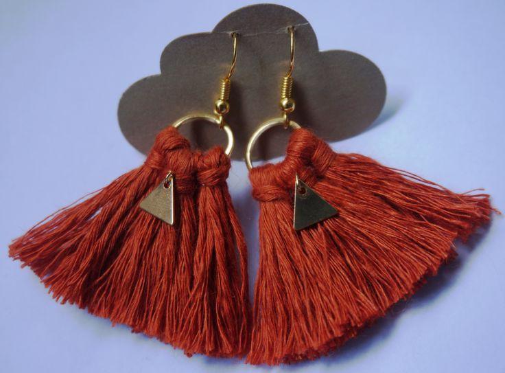 Boucles d'oreilles KESA - 100% lin - orange <3 Sur le nuage de Meije http://www.alittlemarket.com/boucles-d-oreille/fr_boucles_d_oreilles_boho_chic_-16270551.html