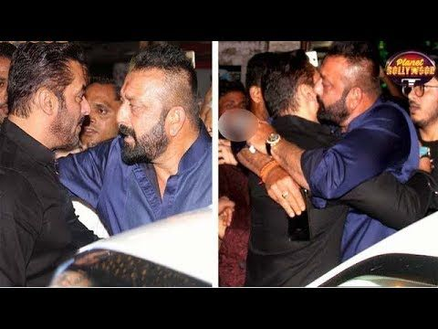 Sanjay Dutt Invites Salman Khan For Special Screening Of 'Bhoomi' | Bollywood News - https://www.pakistantalkshow.com/sanjay-dutt-invites-salman-khan-for-special-screening-of-bhoomi-bollywood-news/ - http://img.youtube.com/vi/UNjrmQsHT_E/0.jpg