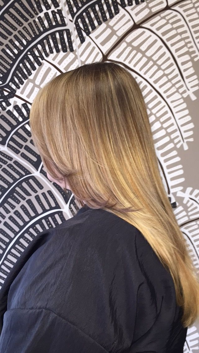 Blonde Ombre With Light Base Color Balayage Amp Ombre Long