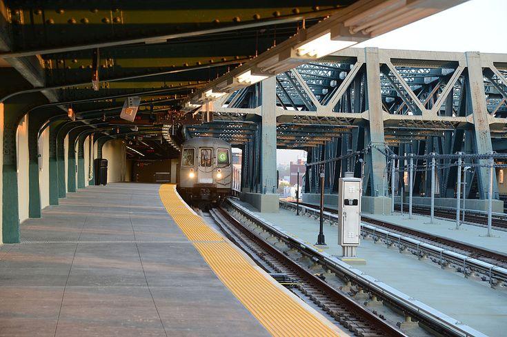 Smith-Ninth Street station platform - Red Hook, Brooklyn