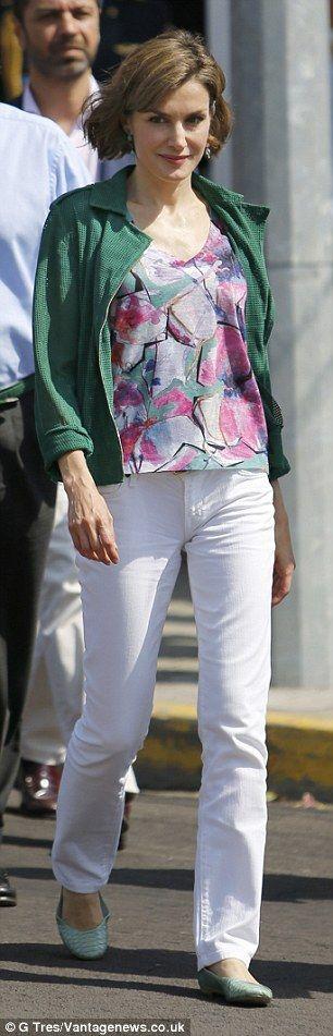 Earlier yesterday, Queen Letizia paid a visit to El Salvador's Casa Tomada cultural centre