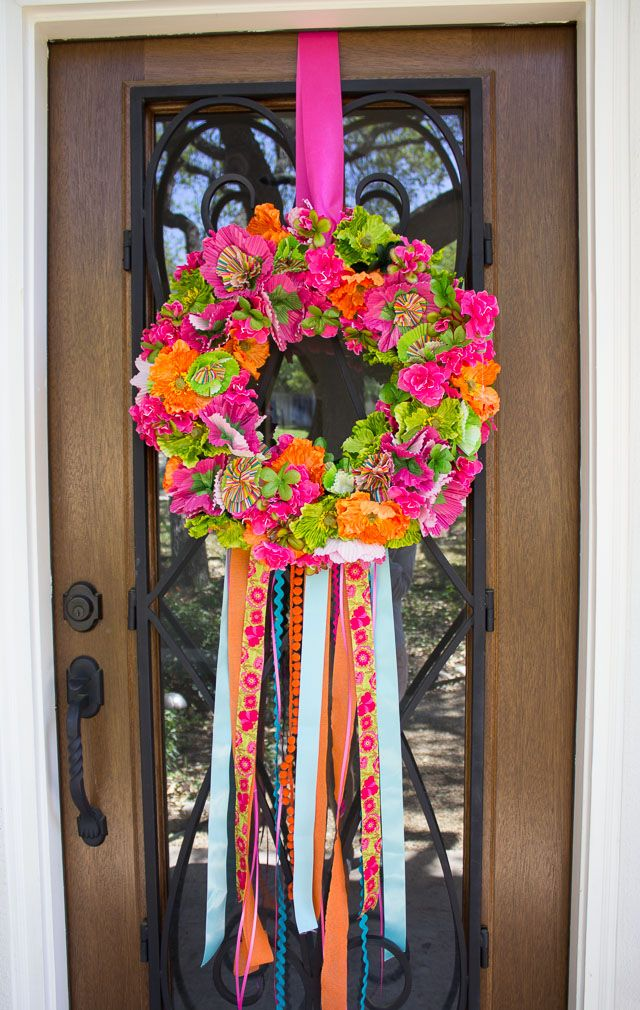 Fiesta Wreath! So fun and colorful for Cindo de Mayo (or just for spring). From Design Improvised.