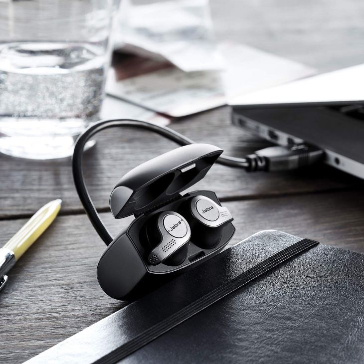 Built For Active Lifestyles Jabra Elite Active 65t Features An Ip56 Rating With 2 Year Warranty Against Sweat Wireless Earbuds Wireless Sport Earbuds Earbuds