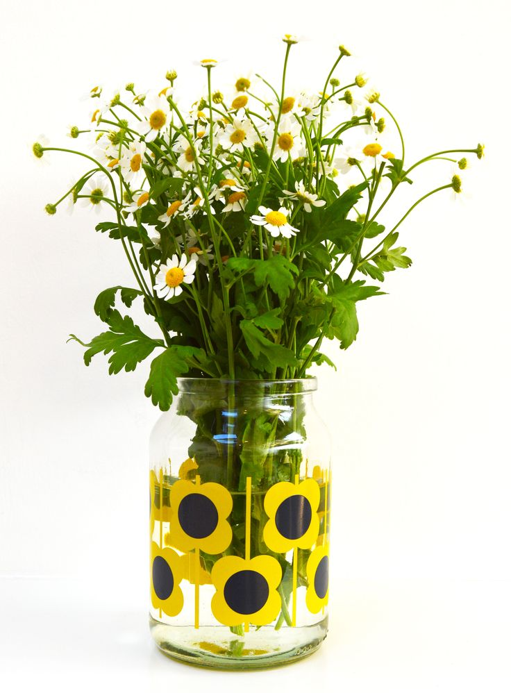 Orla Kiely, a designer known worldwide for her iconic prints, has collaborated with coffee brand Douwe Egberts.    Designing three patterns for the coffee jars, Orla's recognisable style has made a simple object into a thing of beauty.  Buy now, limited edition .... limited stocks .... in good supermarkets.