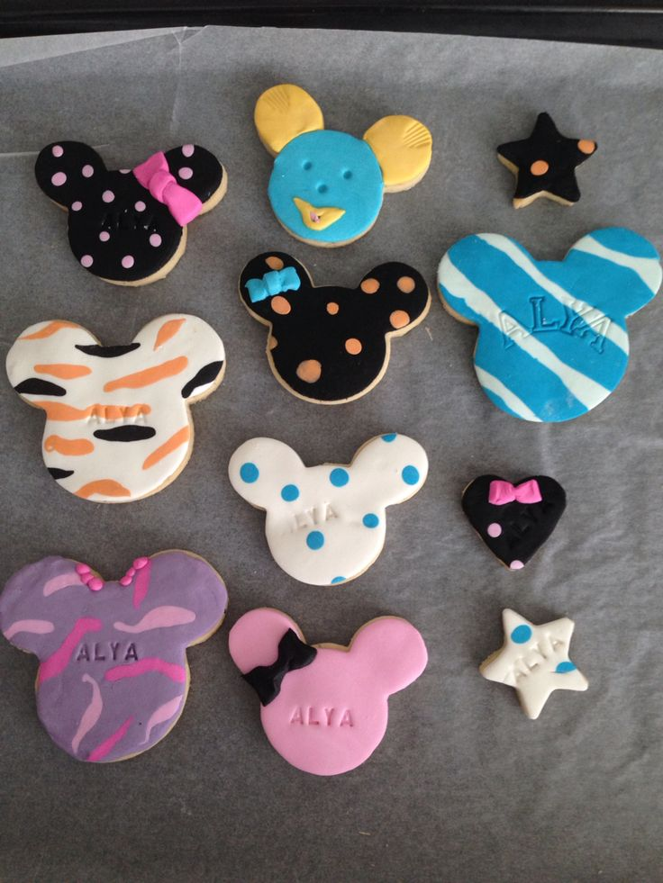 My baby's first birthday cookies...sugarpaste