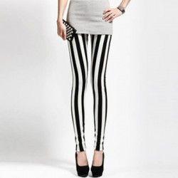 LEGGIN BLANCO Y NEGRO. Dos colores que no pasan de moda. Al ser líneas verticales te estilizan las piernas haciéndolas mucho más delgada. OFERTA 13,52€