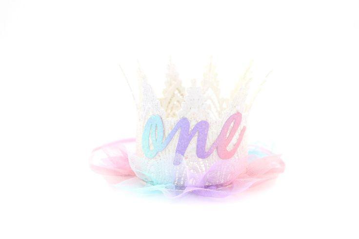 Primera corona de encaje de ombre un Pastel de cumpleaños
