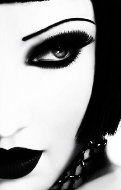 model   face   closeup   contrast : high   ram2013
