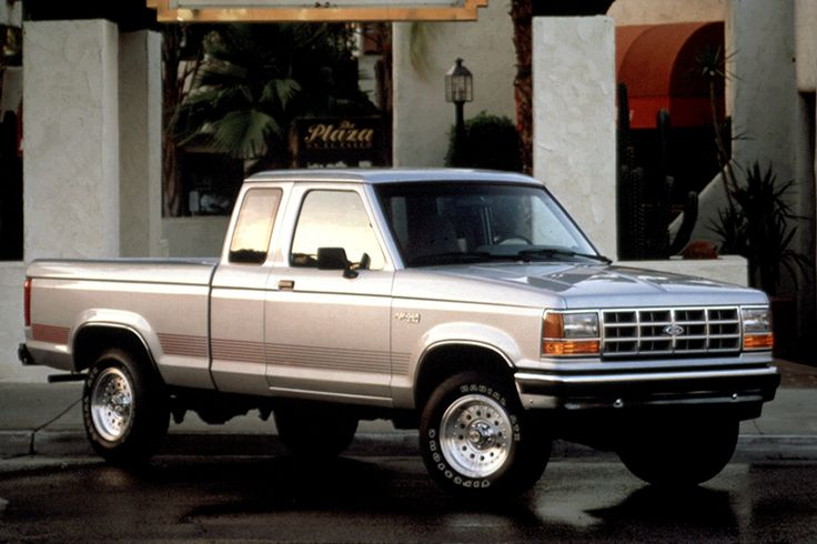 Exclusive 1990-92 Ford Ranger Review from Consumer Guide Auto. Includes yearly updates, specifications, road test ratings and trouble spots.