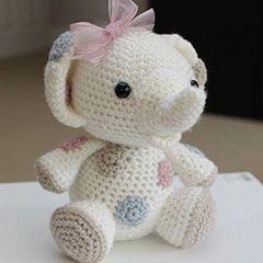 Peanut the Elephant amigurumi crochet pattern by Little Muggles