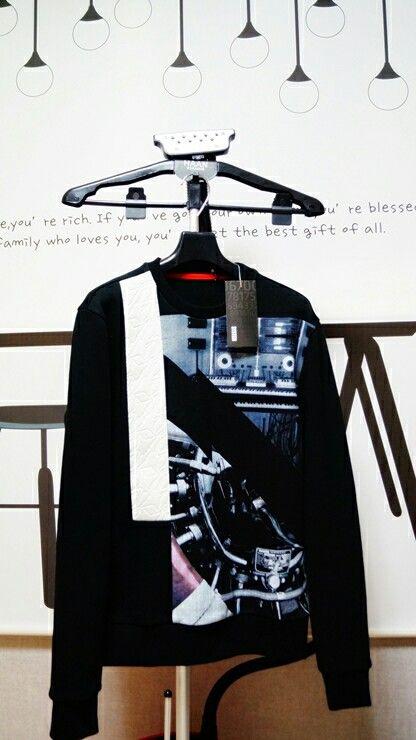 System homme-artwork