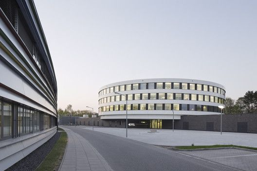 Center for Free-Electron Laser Science CFEL / Hammeskrause Architects