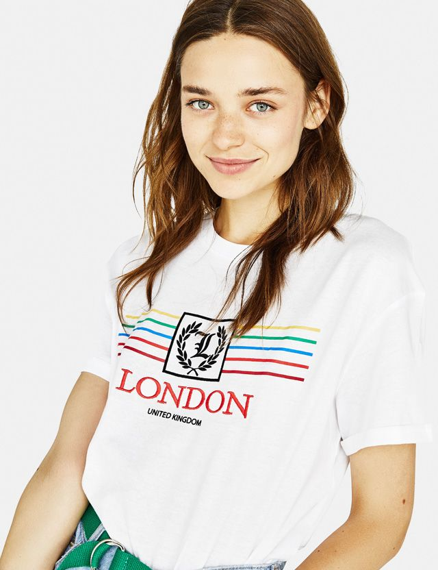 86e048ccb44a Women's T-shirts - Autumn Winter 2018 | Bershka | Girls graphics in ...