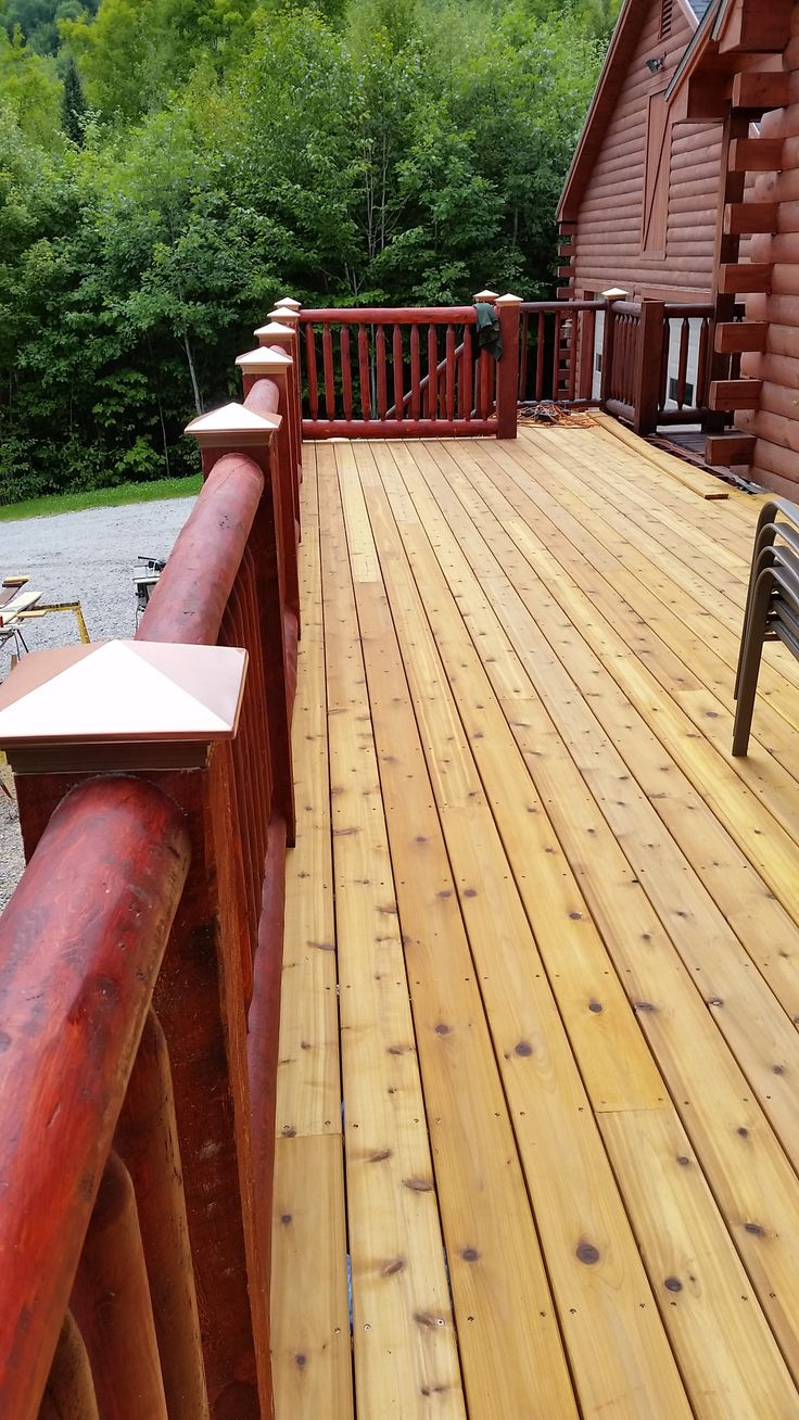 Finished Red Cedar decking with 2 coats Sikkens stain and ...