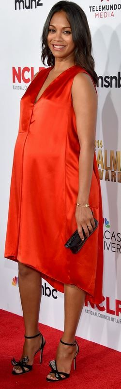 Jessica Alba: Dress – Narciso Rodriguez  Shoes – Kurt Geiger  Purse – Tyler Alexandra  Jewelry – Jennifer Meyer