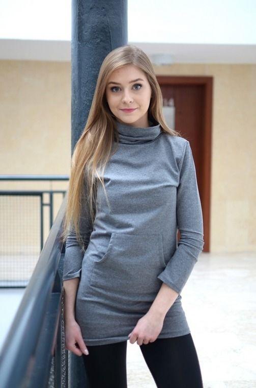 Piękna tunika z kieszeniami z przodu. Wykonana z najlepszych materiałów. Modny design i niepowtarzalny wygląd, doskonałe do licznych stylizacji na każdą okazję.