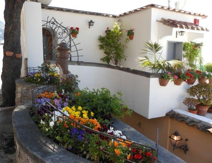 Trend Ein mediterraner Garten beeindruckt durch Pracht und Stil In diesem findet man aber auch Lebendigkeit und Urlaubslaune Wie geht das aber praktisch