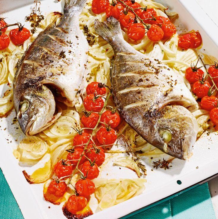 Sommer vom Blech: Fenchel gibt dem Fisch eine frische Anisnote. Leicht, gesund, gut!