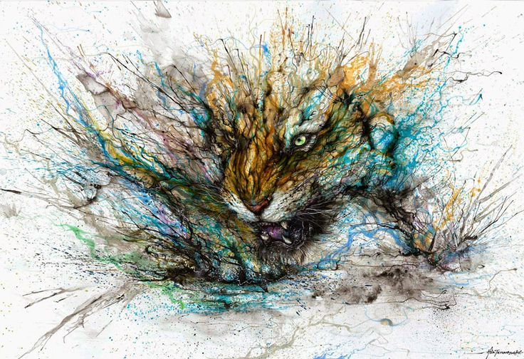 Chinese-born paint-splatter and street artist Hua Tunan is back it again with a series of stunning new animal portraits. Using a unique combination of traditional Chinese painting and Western street art, his work has won acclaim around the world.