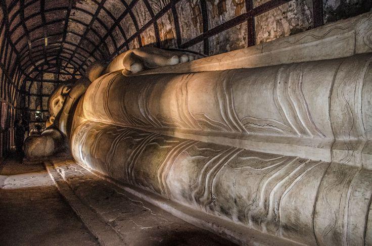 Liegender Buddha in Bagan / Myanmar http://www.mogroach.de/