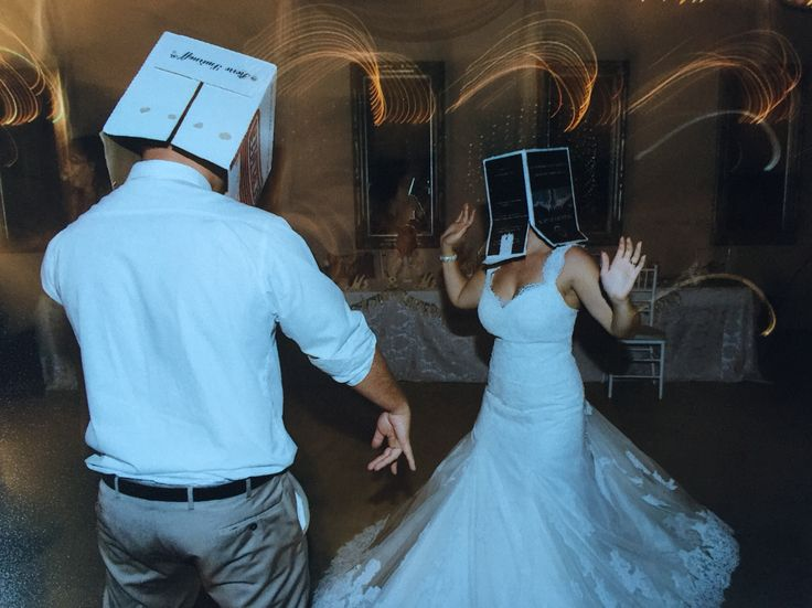 This must be the most fun game for people to play at a wedding. Pass the box | wedding | lace