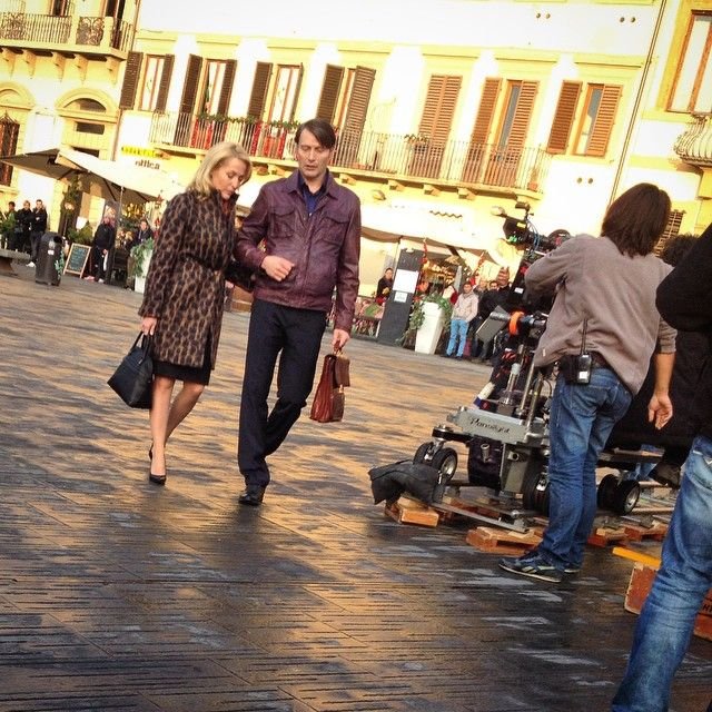 Mads Mikkelsen and Gillian Anderson filming Hannibal in Florenc