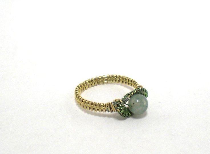 Ring ~ Silber/Hellgrün mit grünem Stein