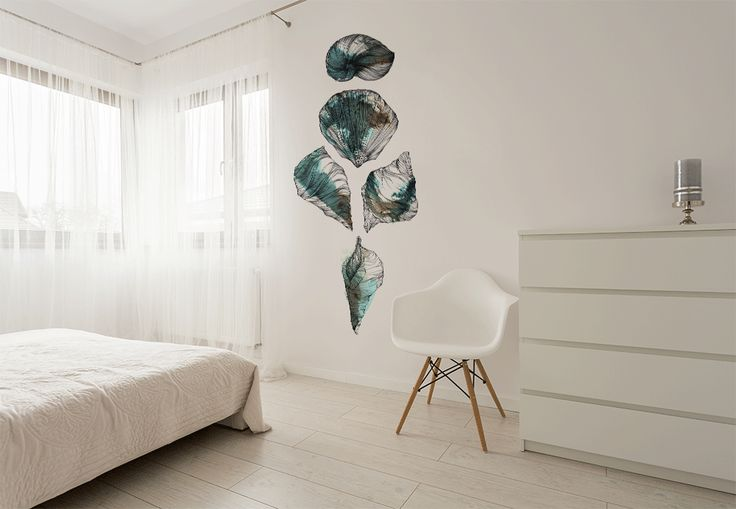 The perfect design for sea lovers. Marina Guiu is the artist who made this beautiful and soft design.