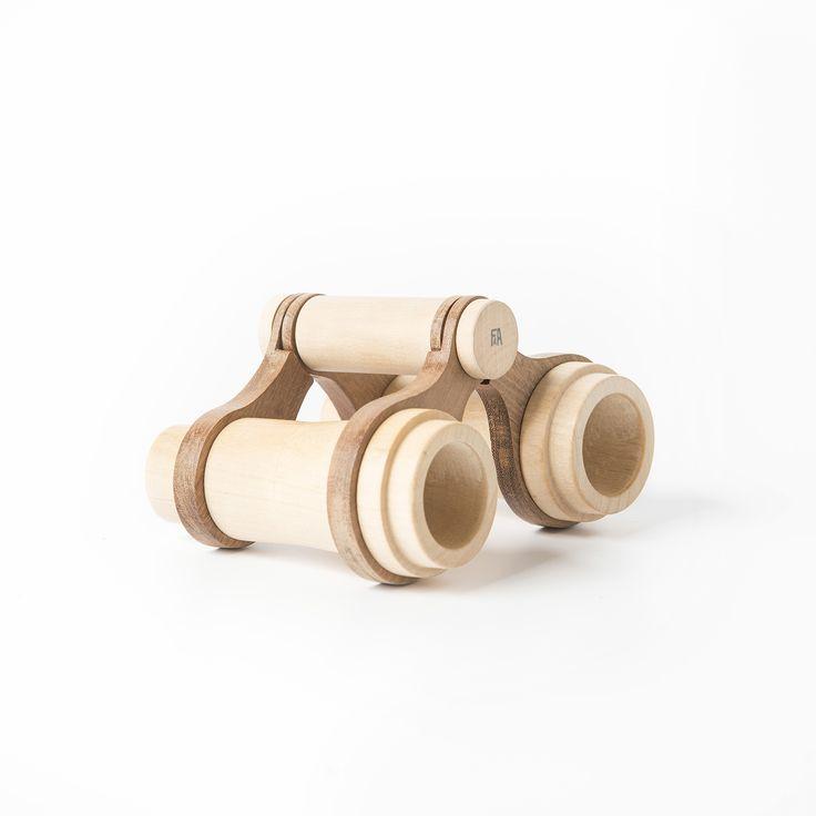Binoculars made of Guatambu and Incense wood.