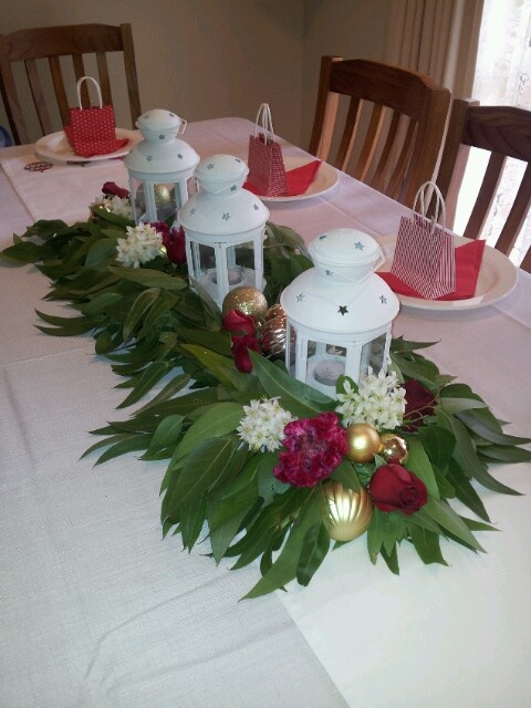 WOW :) I love this centrepiece and I have the birdcages to go with them. Half candles. half gum leaves etc.