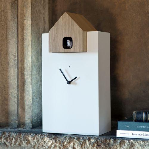 Pour une décooriginale et actuelle, optez pour cette horloge rectangulaire avec coucou intégré sur decoclico