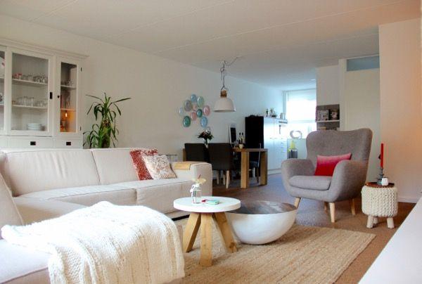 17 beste idee n over moderne woonkamers op pinterest huiskamer moderne inrichting en modern - Moderne woonkamer fotos ...