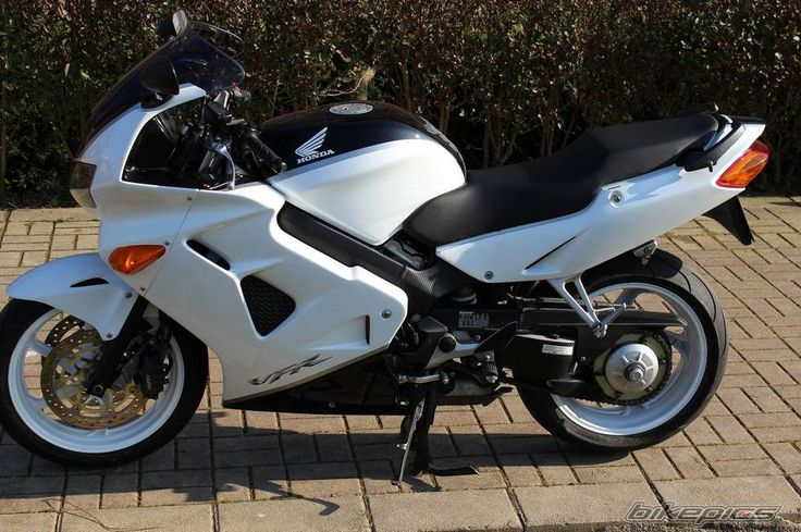 2001 Honda VFR 800 motorcycle photo