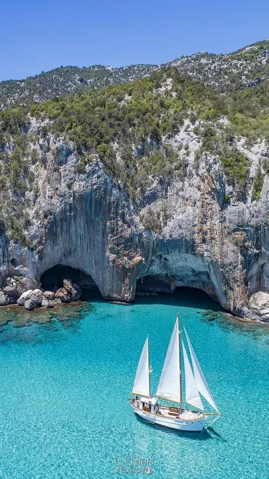 Bue Marino, Sardinia G+ 4 10 17 https://beartales.me/2017/10/26/image-of-the-day-26-october-2017/