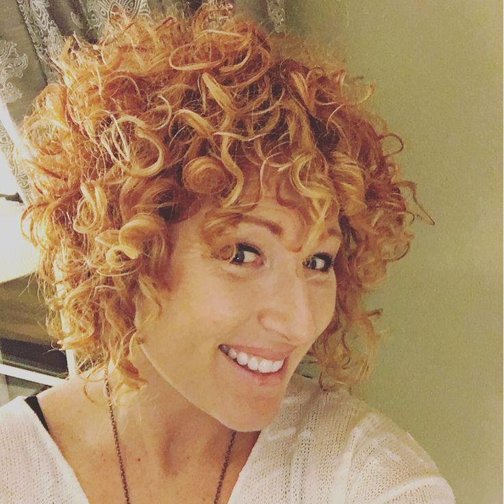 1000 Ideas About Curly Inverted Bob On Pinterest Medium
