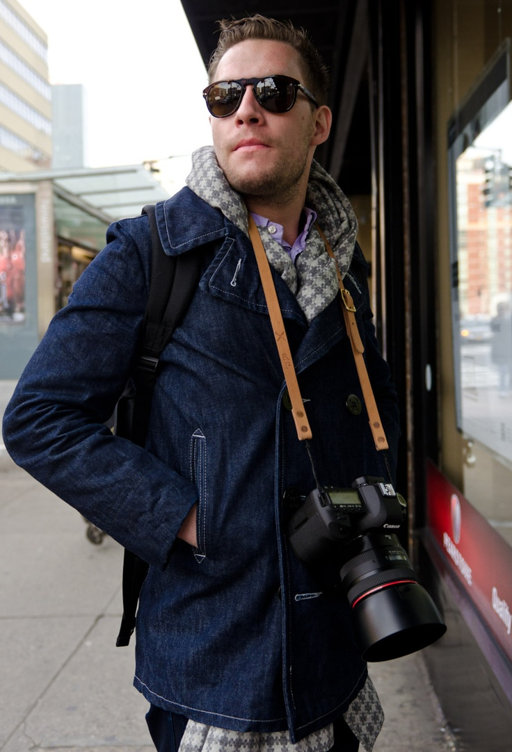 Ryan uses a Canon 5D Mk II and 85mm f1.2 L; a portrait photographer's dream.