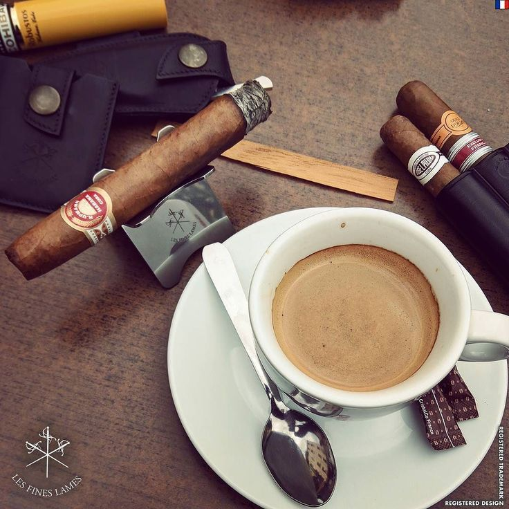 Double expresso and H.Upmann no.2 on the #cigarstand. Satisfaction guaranteed