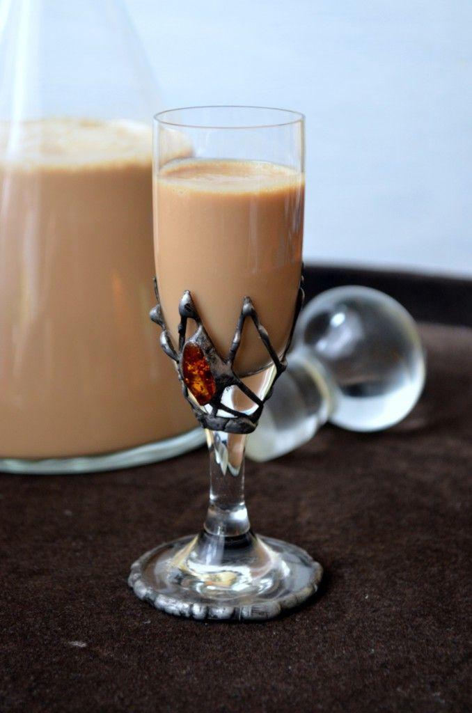 Kremowy i kawowy Baileys robiony domowym sposobem.