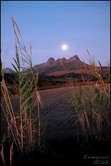 Full Moon over the Helderberg | Somerset West - Cape Town #helderberg #somersetwest
