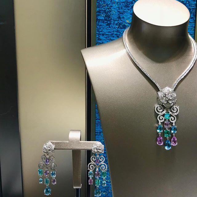 Stunning Day #sapphire #ruby #aquamarine #pendant #necklace #piaget #newcollection #amethyst #rose #cute #chaneljewellery #highjewelry #instagood #instamood #platinum #whitegold #artwork #style #life #love #followme #beauty #beautiful #art #design #handmade #diamonds #mariigem #luxuryjewelry #diamond