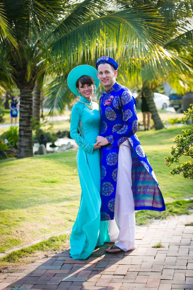 Custom Made Vietnamese TraditionalA Bridal Dress With Couture Embroidery (#PNAD001)-AO DAI