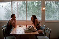 ¿ 50 preguntas incómodas para mi novio ? ¡Sí, has leído bien! Tendrás 50 opciones para que conozcas un poco más a tu pareja mientras juegan y se divierten.