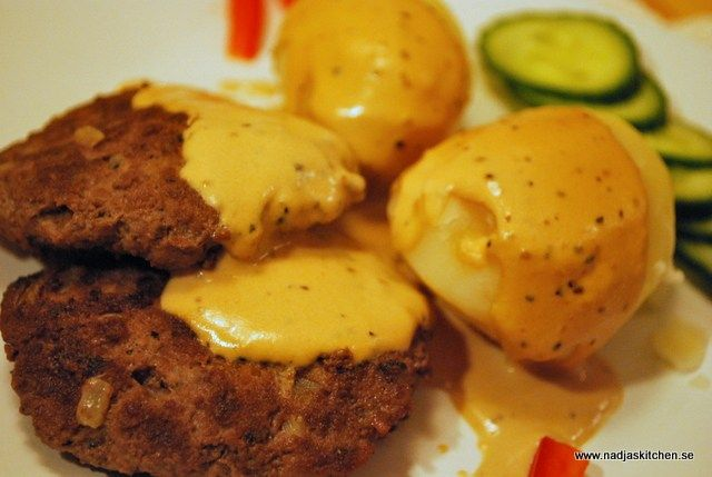 Örtiga färsbiffar med gräddsås-kokt potatis- nadjaskitchen.se-viktväktarna-propoints-vvtillsammans