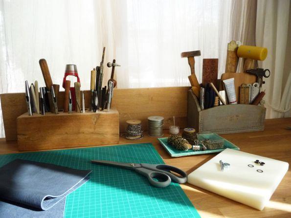 Coudre le cuir, c'est facile - Couture | Abracadacraft, Des idées pour…