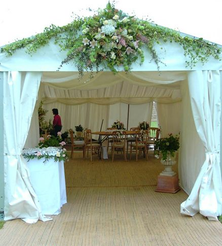 floral decoration in the entrance - Stone Slab Canopy Decorating